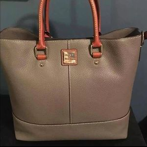 NWT ELEPHANT CHELSEA LEATHER TOTE